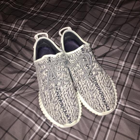 Adidas Yeezy Boost 350 Turtle Dove (fake)